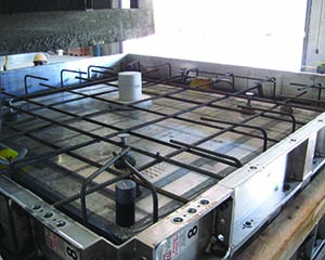 Precast monolithic deck form